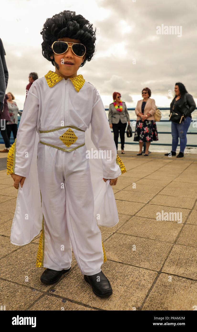 Porthcawl, Pays de Galles, Royaume-Uni. Le 30 septembre 2018. Les imitateurs d'Elvis et des fans, de tous âges, de participer à la 13e édition annuelle, le Festival Elvis Porthcawl Elvies. Credit: Haydn Denman/Alamy Live News Photo Stock
