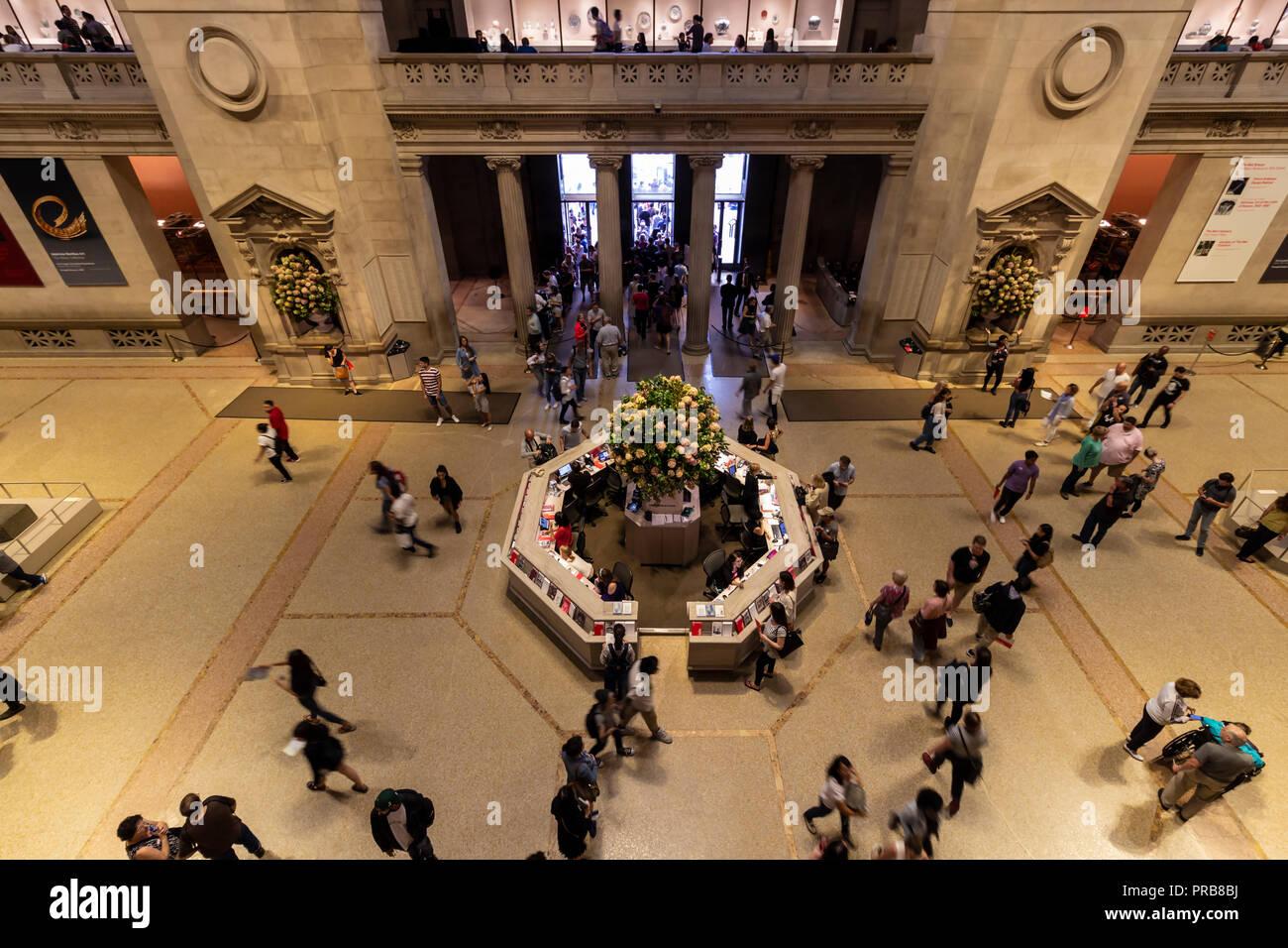 La ville de New York, USA - 8 octobre, 2017: Vue intérieure du Metropolitan Museum of Art de New York. Banque D'Images
