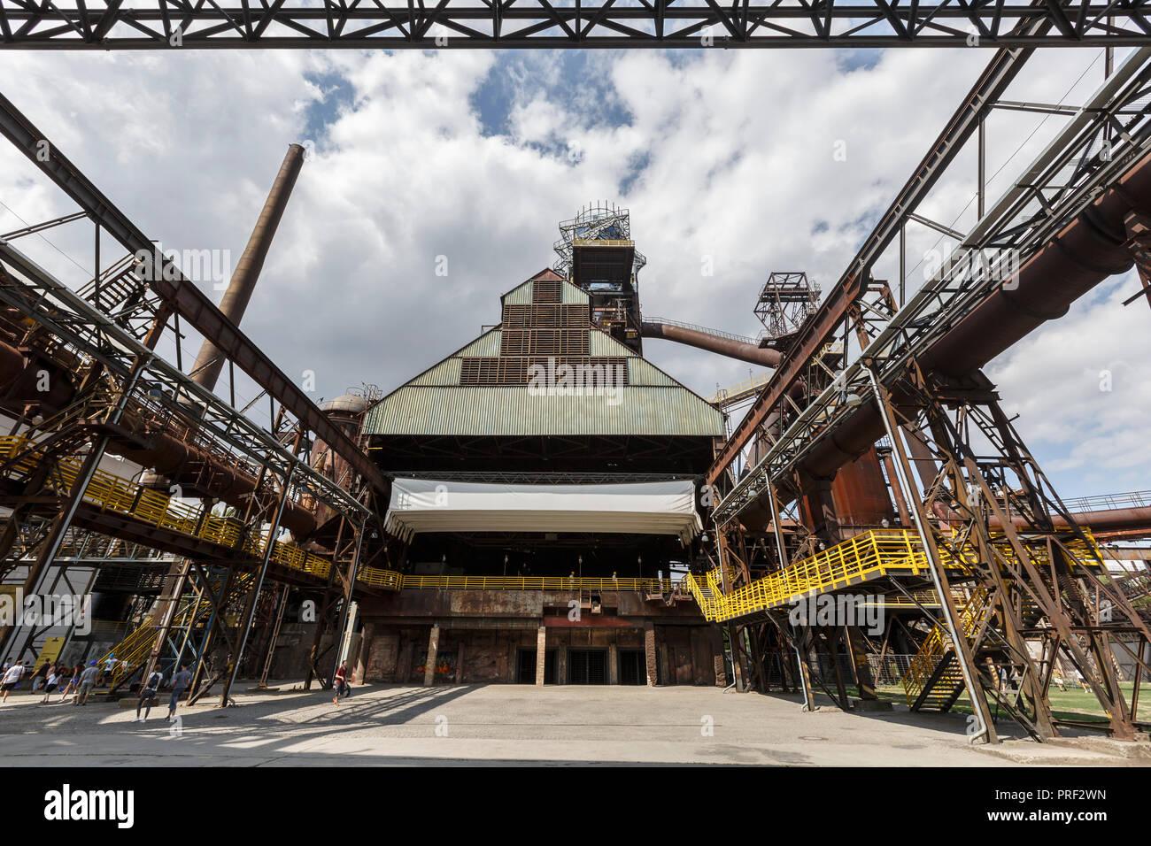 Ostrava, République tchèque - Le 21 août 2018: haut-fourneau à Vitkovice inférieur, un site national du patrimoine industriel composé d'une collection unique Photo Stock