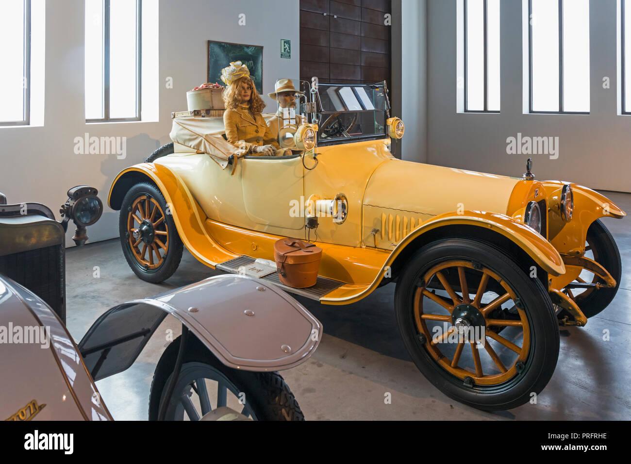Museo Automovilistico y de la Moda, Malaga, la province de Malaga, Espagne. Automobile et le Musée de la mode. 6 cylindres, 45 ch, 3700 cc Modèle D44 American Bui Photo Stock