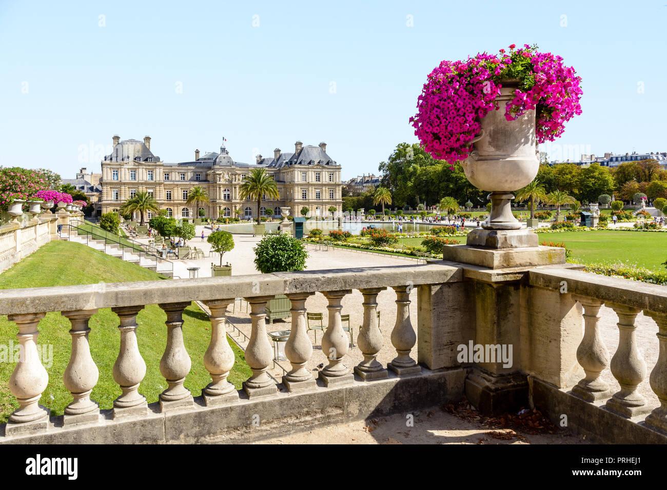 Senat Paris Banque D Image Et Photos Alamy