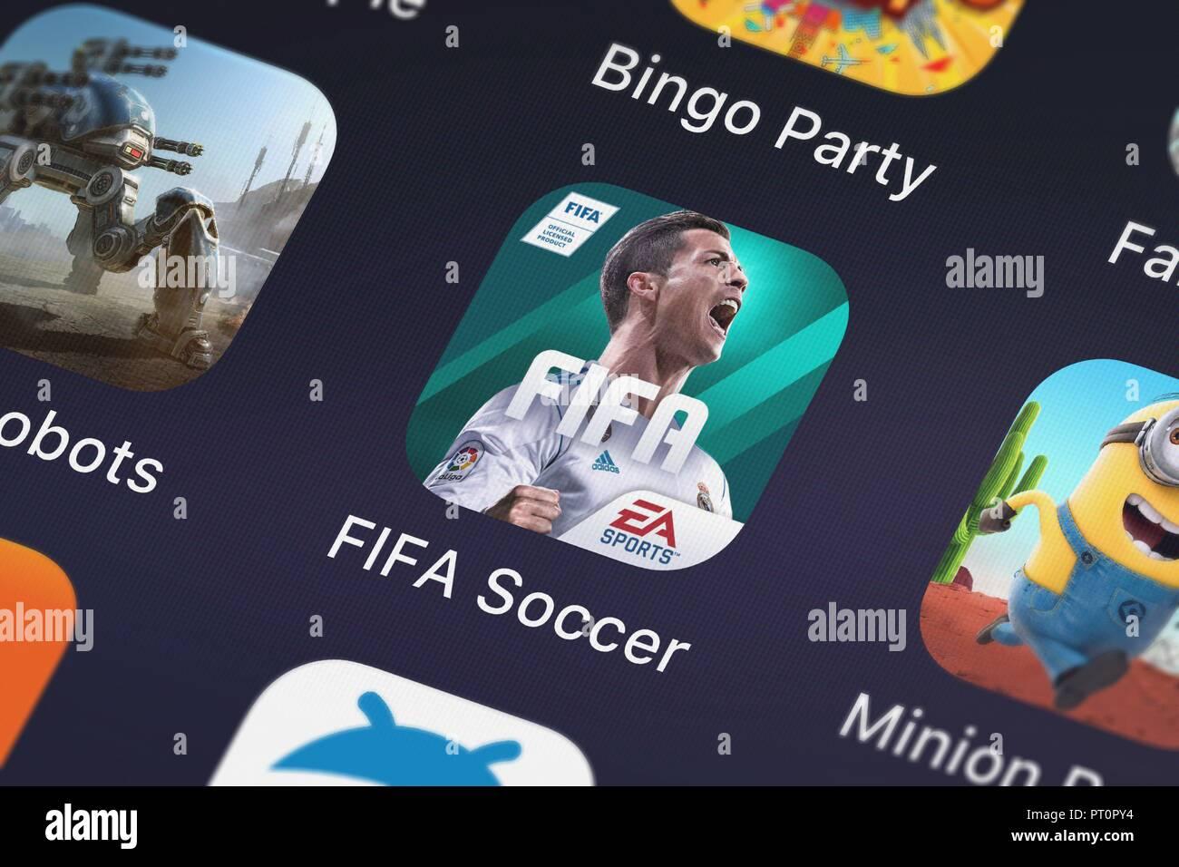 Londres, Royaume-Uni - Octobre 05, 2018: Capture d'écran de l'application mobile de l'Electronic Arts FIFA. Banque D'Images