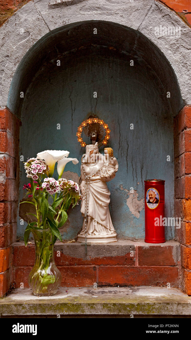 Madonna, autel, christianisme, Toscane, Italie Photo Stock