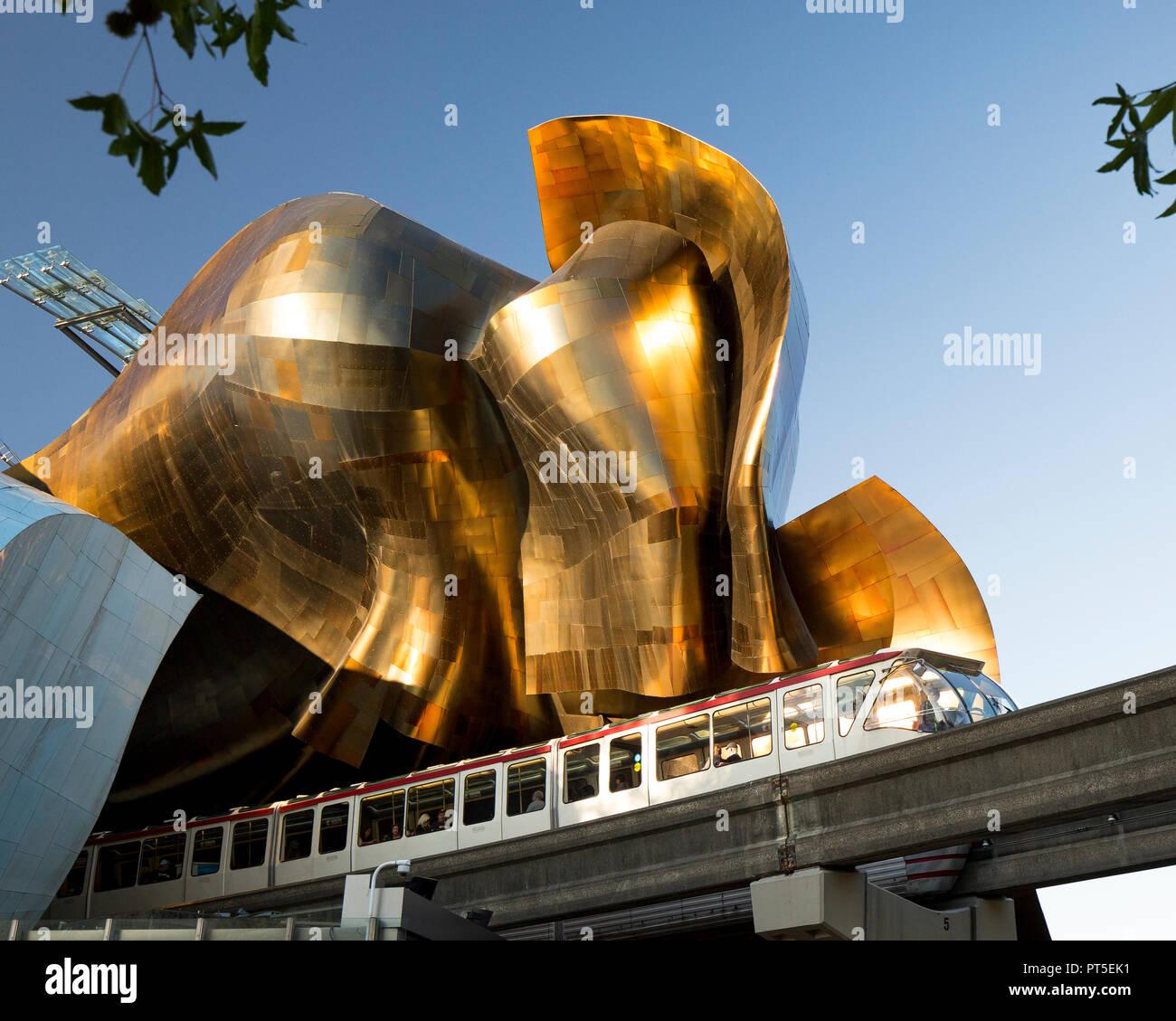 Le Monorail de Seattle avec RPBB, Musée de la culture populaire. Photo Stock