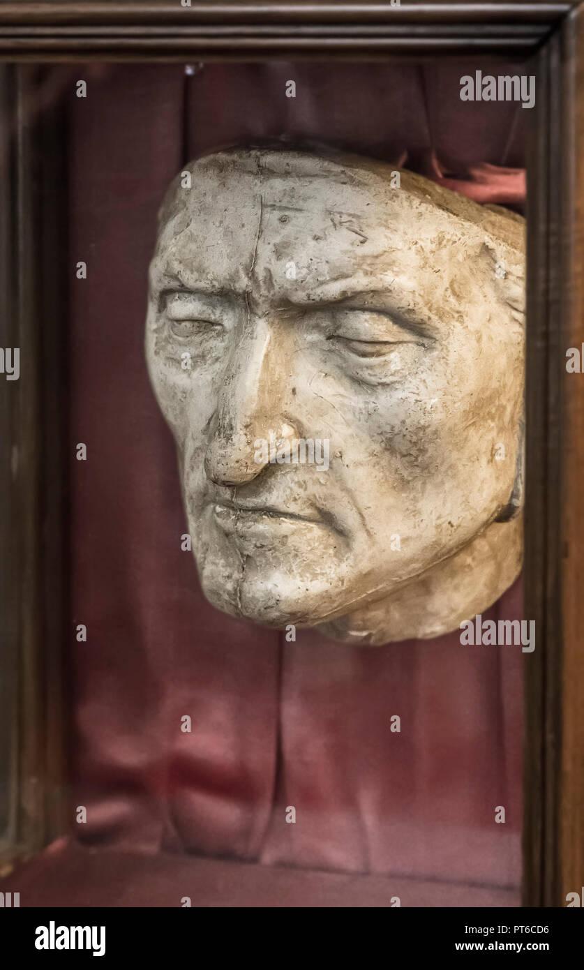 correspondant en couleur style le plus récent style classique de 2019 Masque de mort de Dante Alighieri dans le Palazzo Vecchio ...