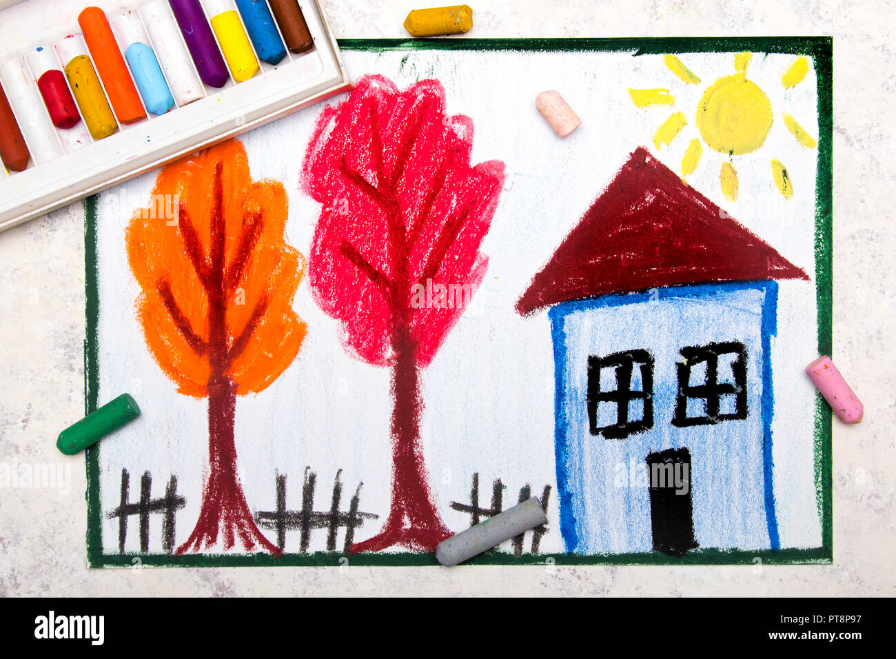 Dessin A La Main En Couleur Belle Petite Maison Et Arbres En