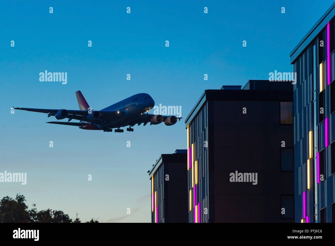 L'atterrissage de l'Airbus A380 Photo Stock