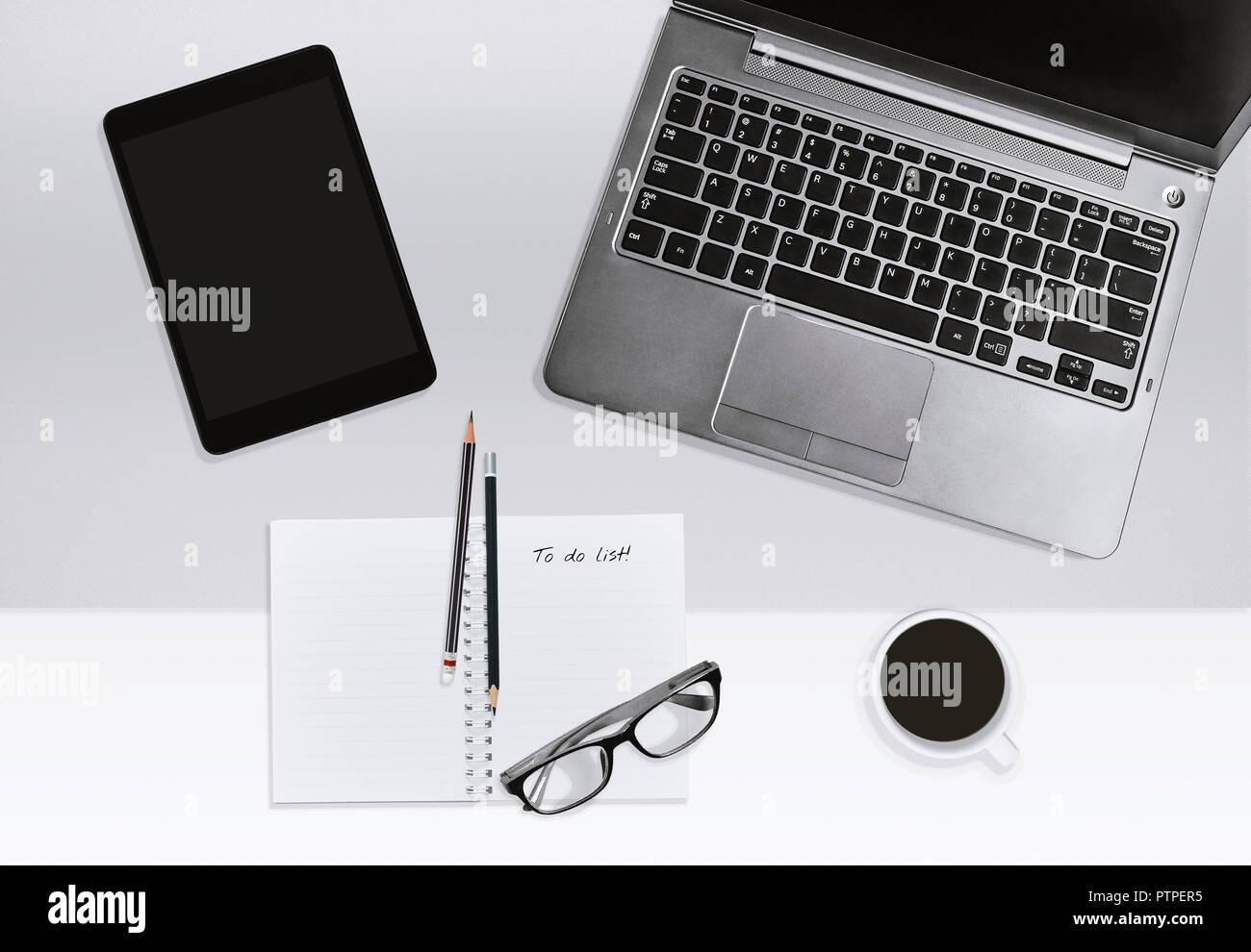 Travail de bureau moderne le bureau à domicile ou de l éducation
