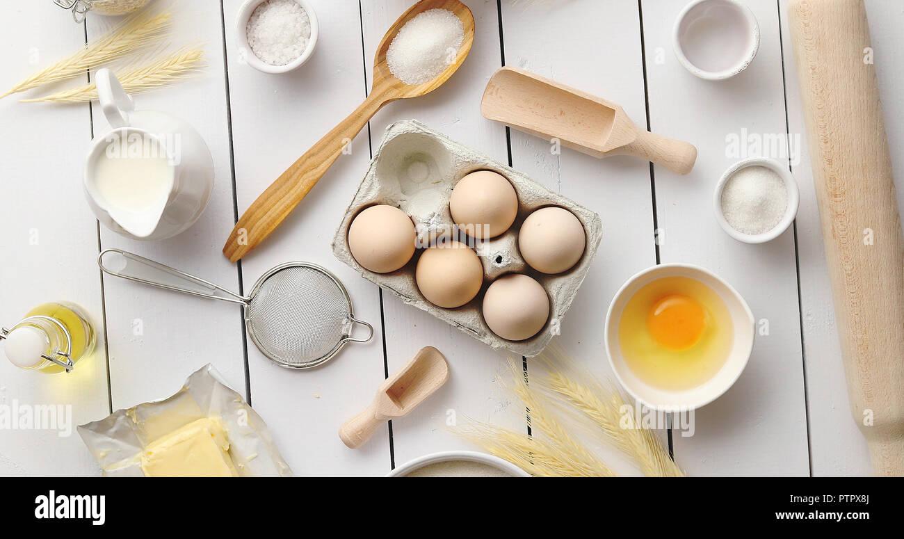Outils de cuisine et les composants composition Photo Stock
