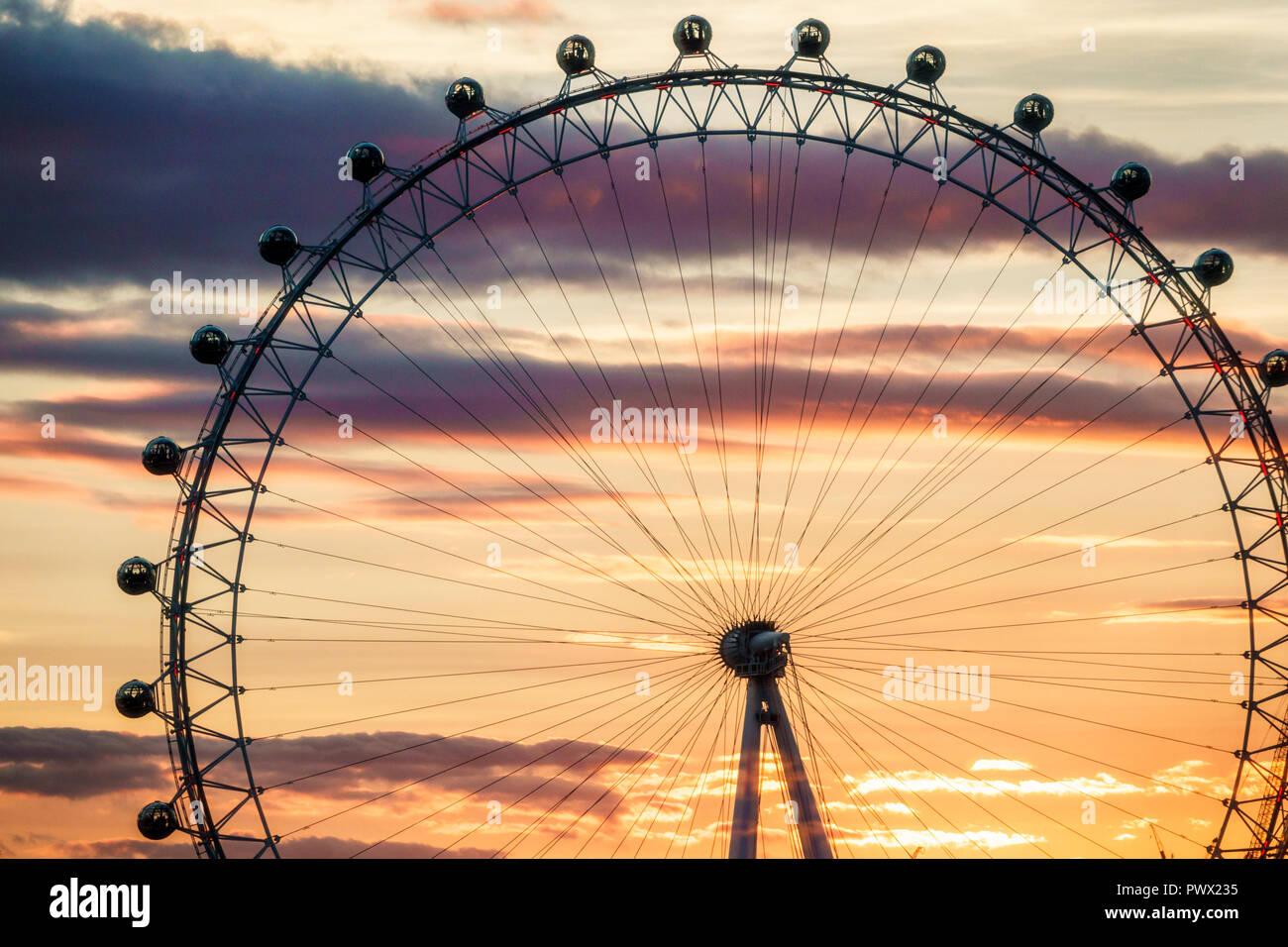 Londres Angleterre Royaume-Uni Grande-bretagne Lambeth Rive Sud grande roue London Eye attraction roue d'observation marque Barfield Architects su Photo Stock
