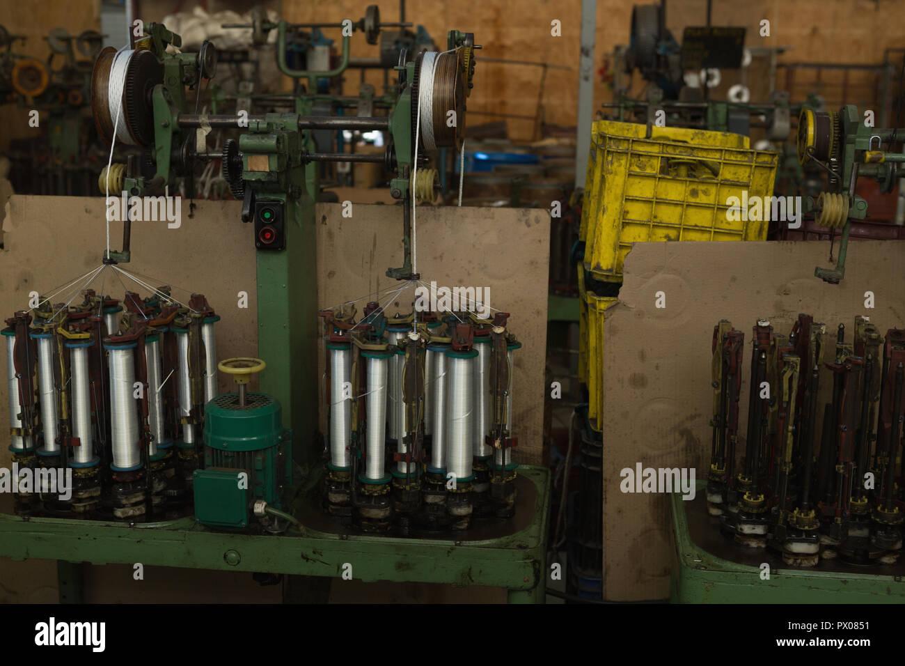 Rouleau de fil machine dans l'industrie de la corde Banque D'Images