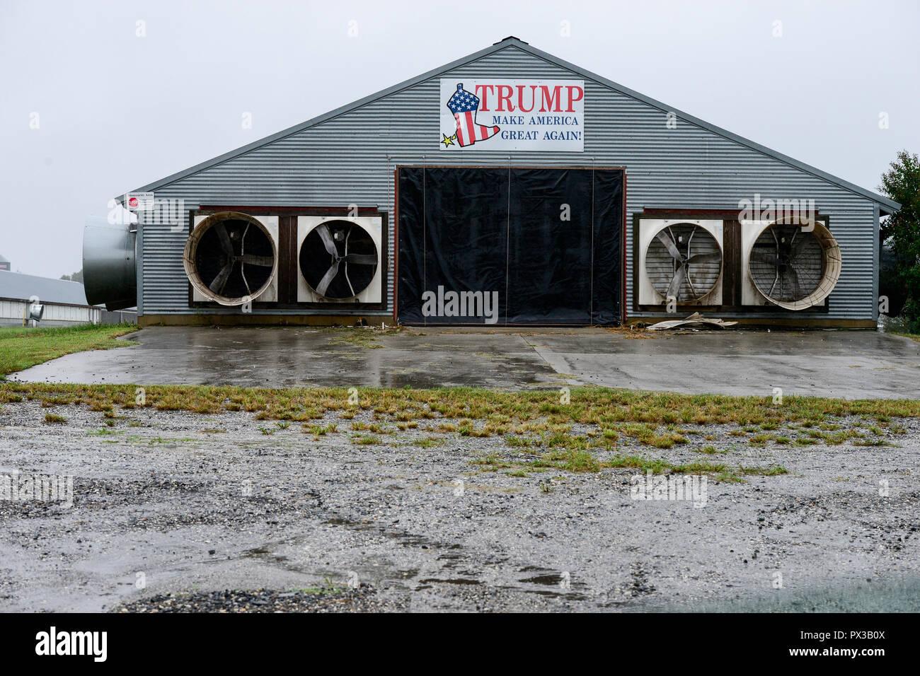 USA, Virginie, Donald Trump, banner Faire Nord Grand Nouveau à stable de porc Photo Stock