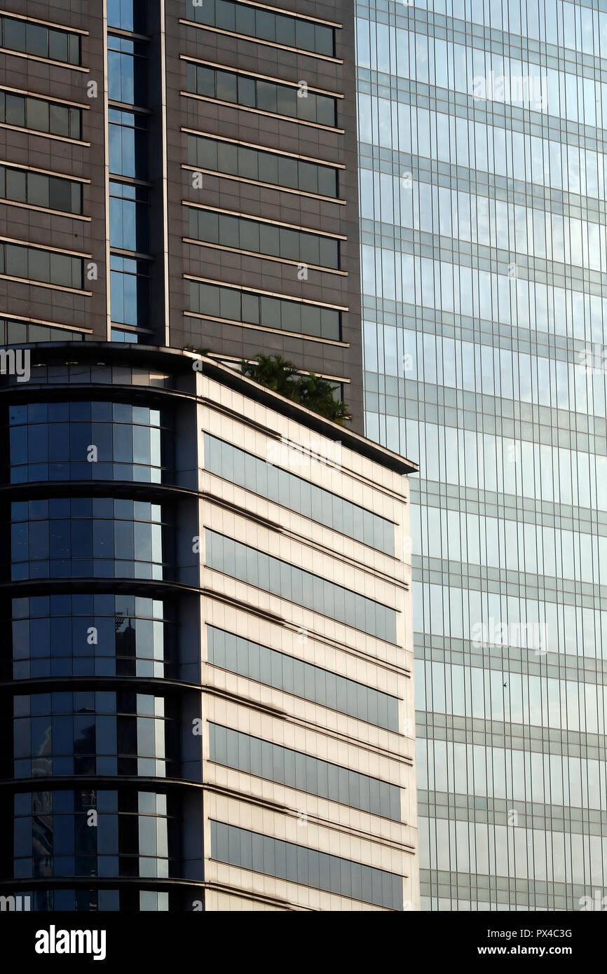 Détail de l'architecture d'un bâtiment de bureau. Ho Chi Minh Ville. Le Vietnam. Banque D'Images