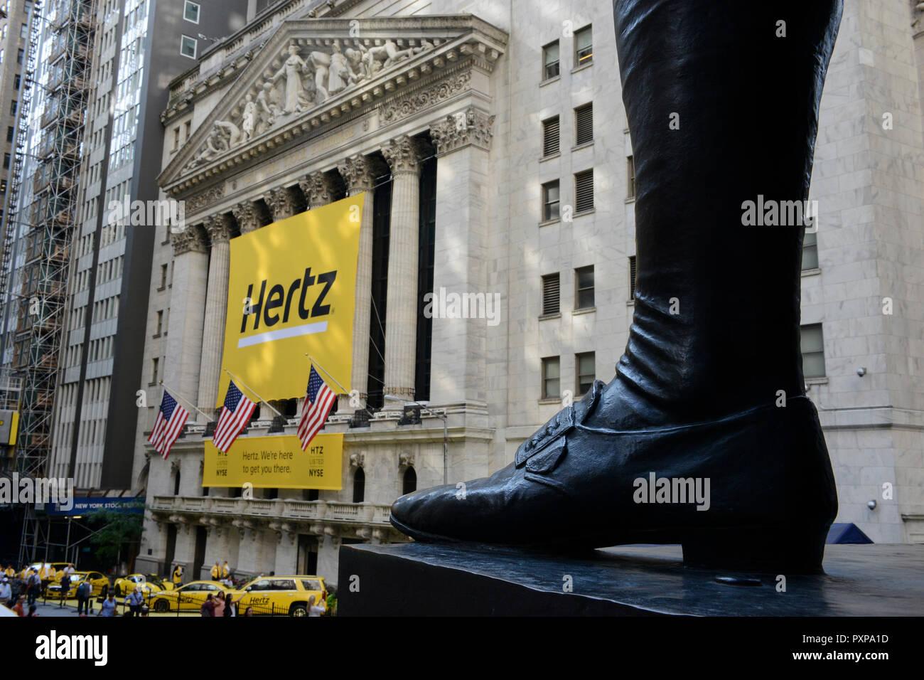 hertz rental cars photos hertz rental cars images alamy. Black Bedroom Furniture Sets. Home Design Ideas