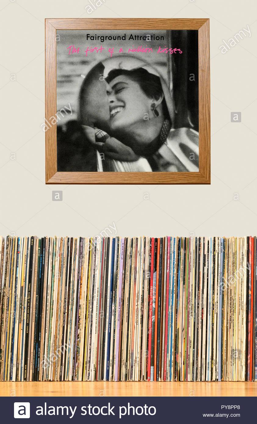 Collection LP et pans de Fairground Attraction 1988 Le Premier album d'un million de baisers, Angleterre Photo Stock