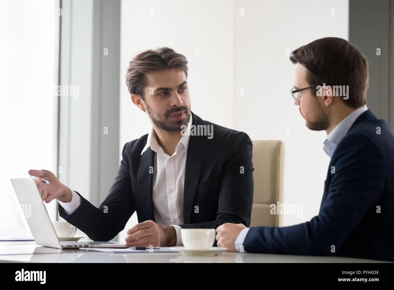 Rencontre avec le gestionnaire sur les résultats subordonnés Photo Stock