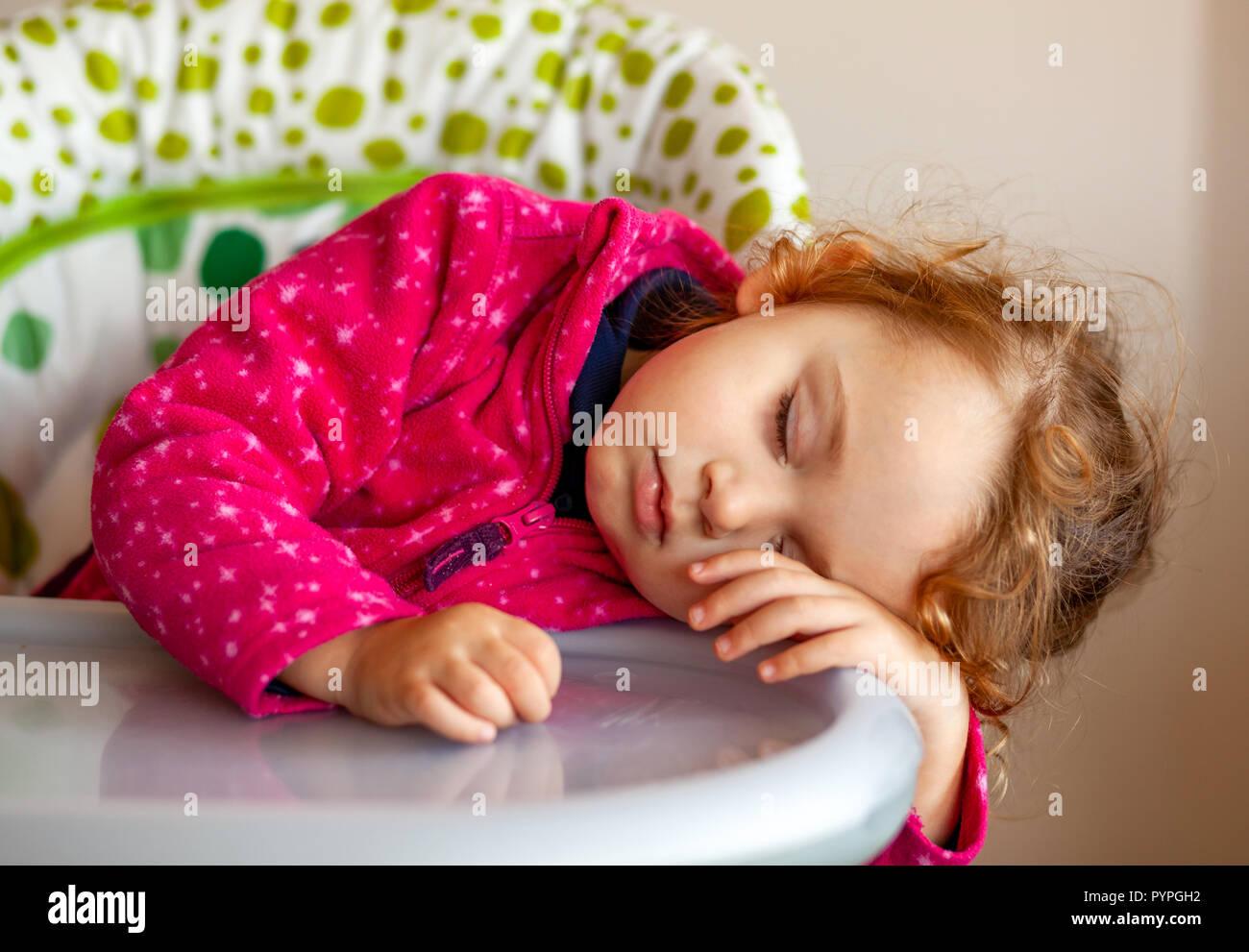 toddler asleep photos toddler asleep images alamy. Black Bedroom Furniture Sets. Home Design Ideas
