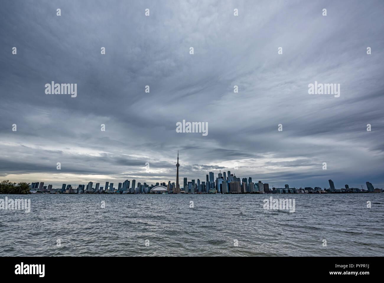 Panorama de Toronto, en vue de l'île Banque D'Images