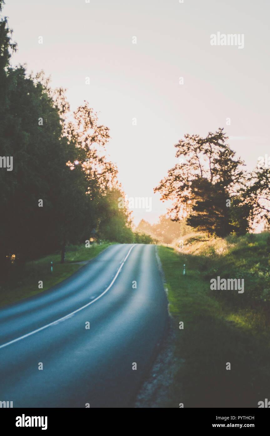 Marcher jusqu'à la route. Photo Stock