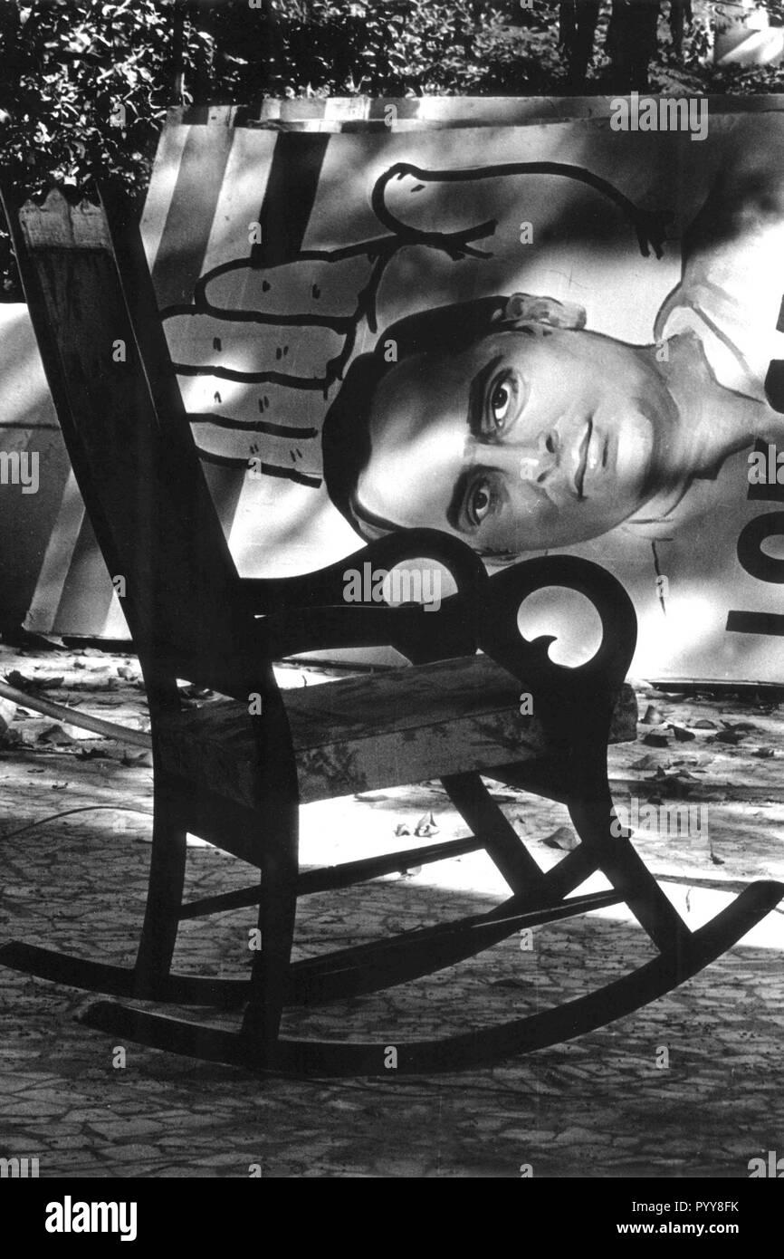 Poster de Rajiv Gandhi et fauteuil à bascule, Mumbai, Maharashtra, Inde, Asie, 1985 Photo Stock