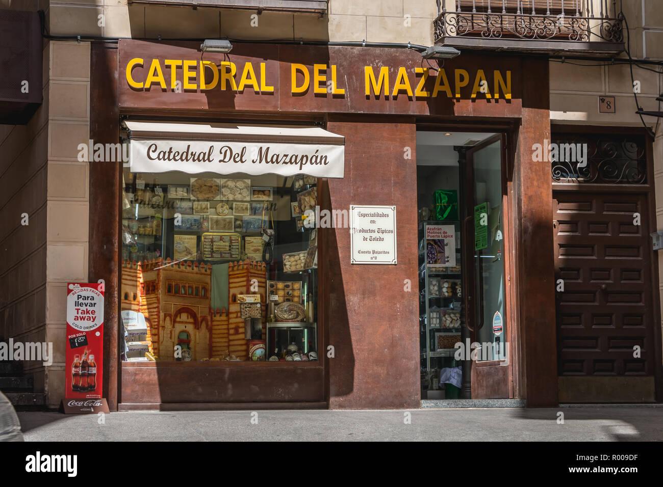 Tolède, Espagne - 28 Avril 2018   Vitrine d une boutique de souvenirs dans 6c517157adc