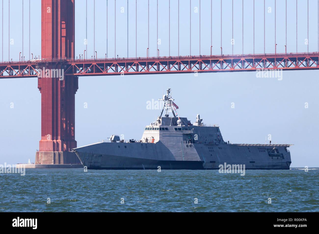 L'indépendance de combat littoral classe USS Manchester (LCS 14) entre dans la baie de San Francisco. Photo Stock