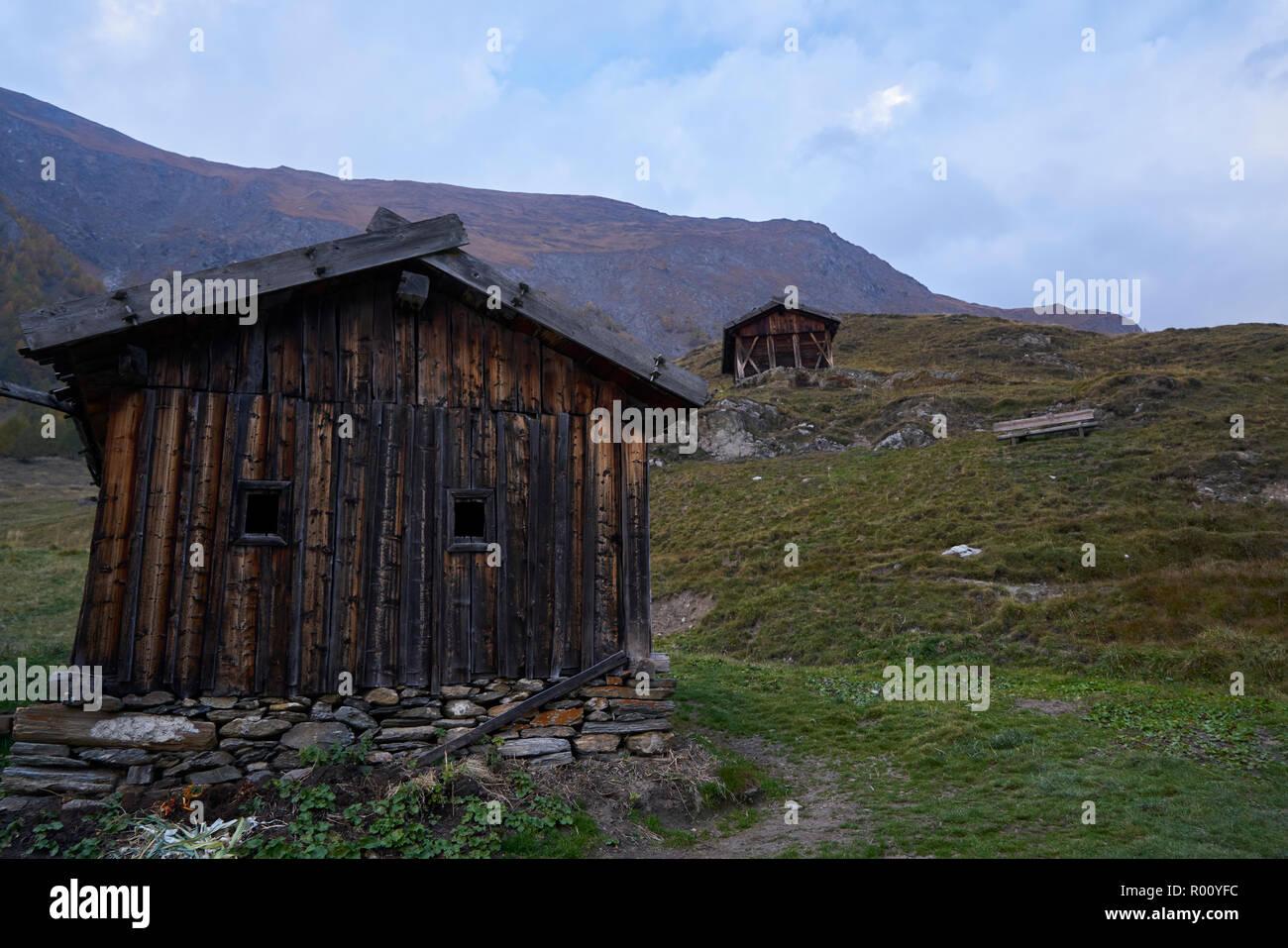 Fane Alm avec Pfundigerer, montagnes du Tyrol du Sud, Italie Banque D'Images