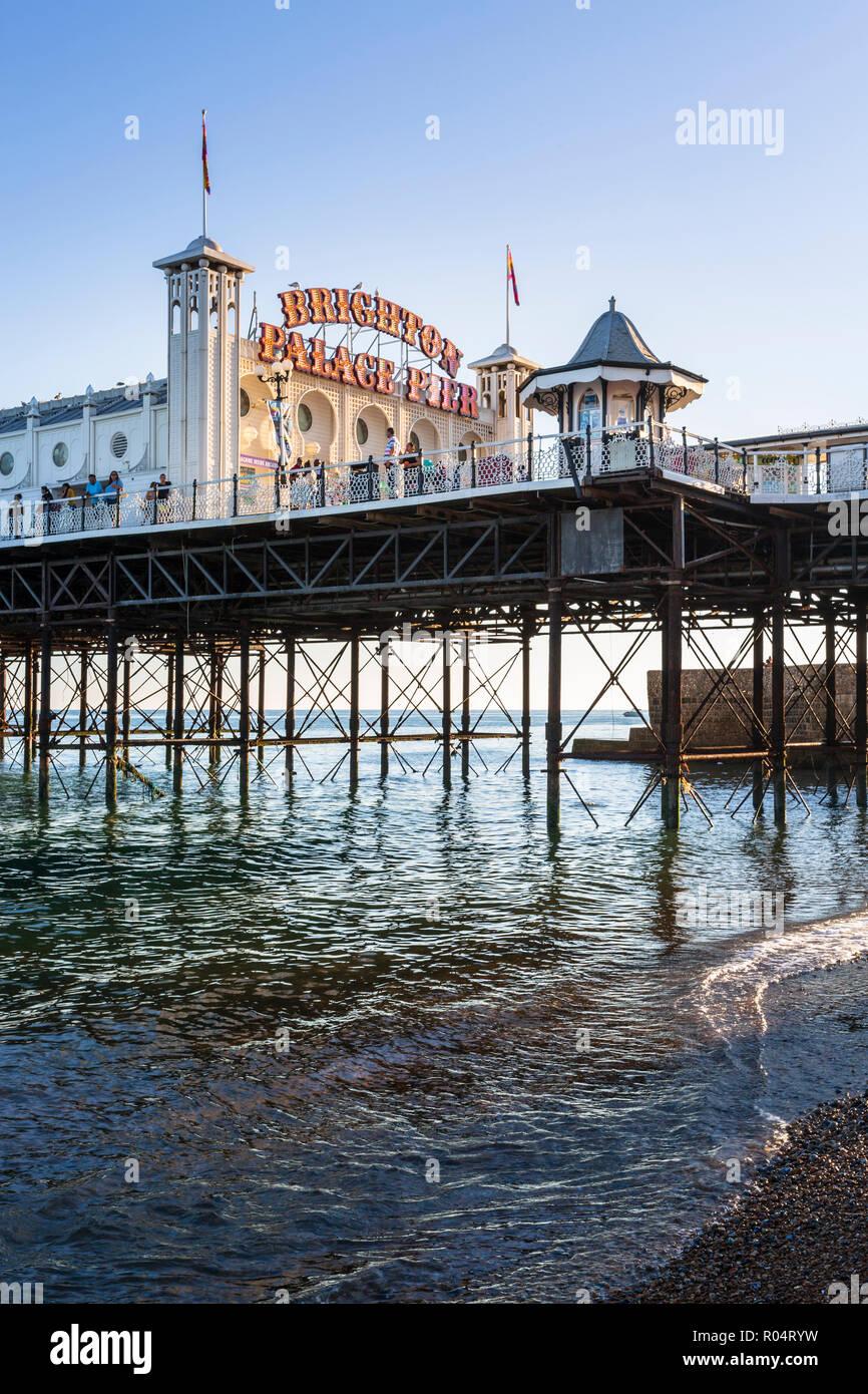 Palace Pier de Brighton, East Sussex, Angleterre, Royaume-Uni, Europe Banque D'Images