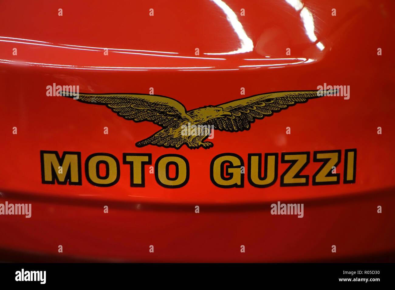 1986 moto sport Moto Guzzi Le Mans emblème badge / réservoir Banque D'Images