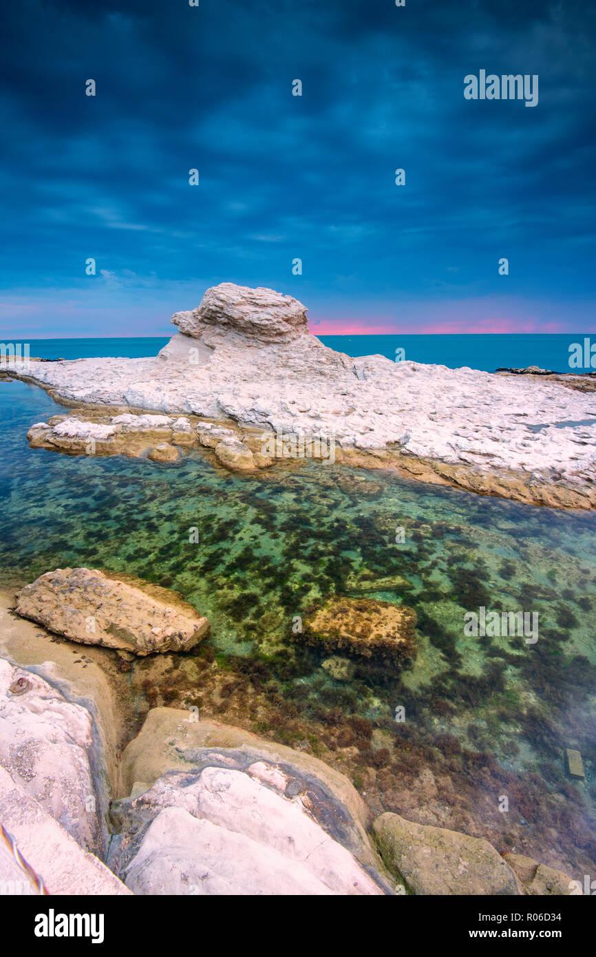 Seggiola del Papa à l'aube, province d'Ancône dans la région des Marches, la mer Adriatique, Marches, Italie, Europe Photo Stock