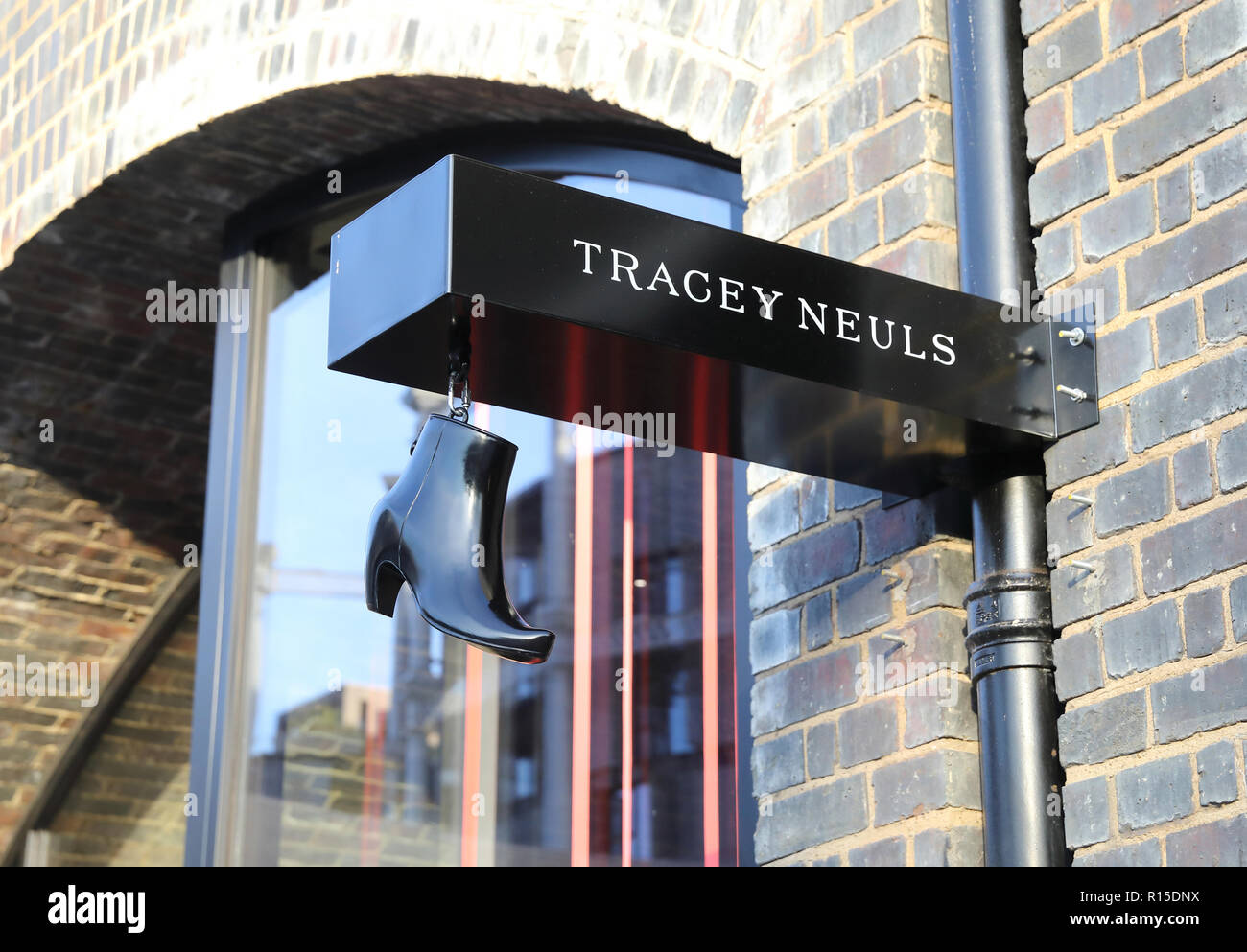 f7eb0edd0e London Shop Retail Shoe Photos   London Shop Retail Shoe Images - Alamy