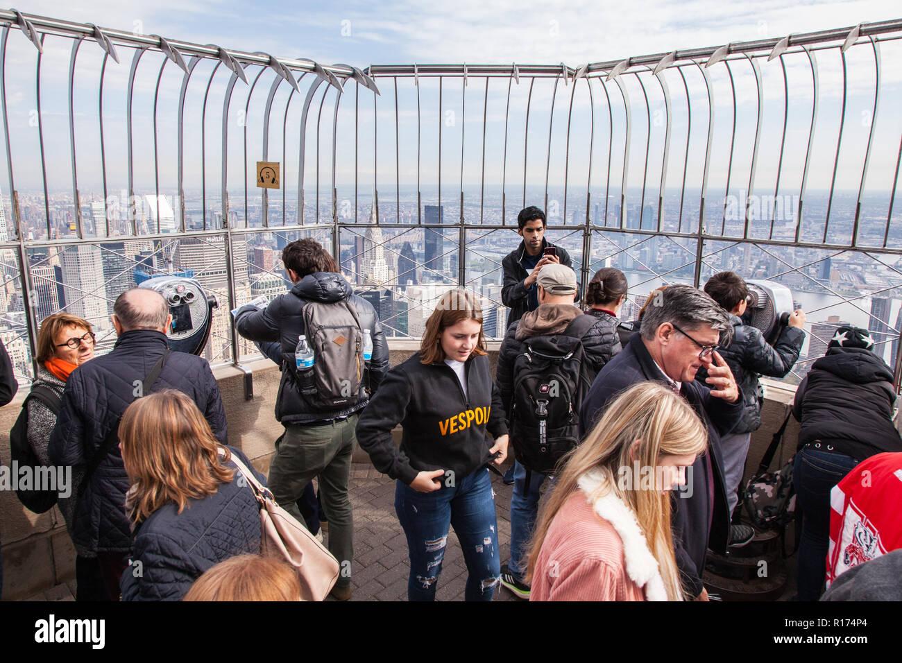 L'observatoire du 86e étage, Empire State Building, Manhattan, New York City, États-Unis d'Amérique. Banque D'Images