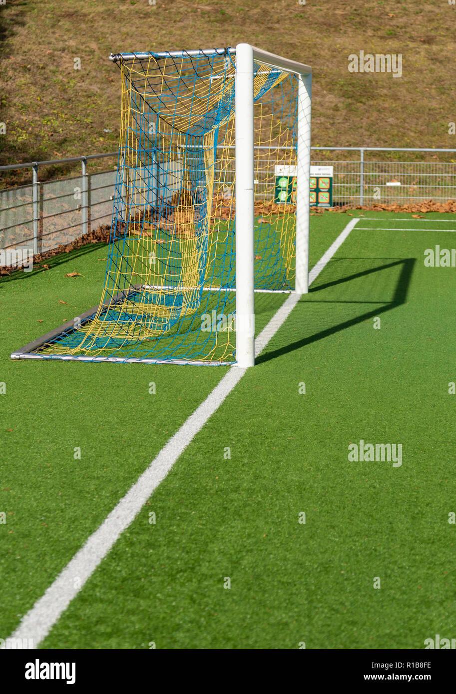 Gros plan du terrain de soccer football. Lignes blanches Banque D'Images