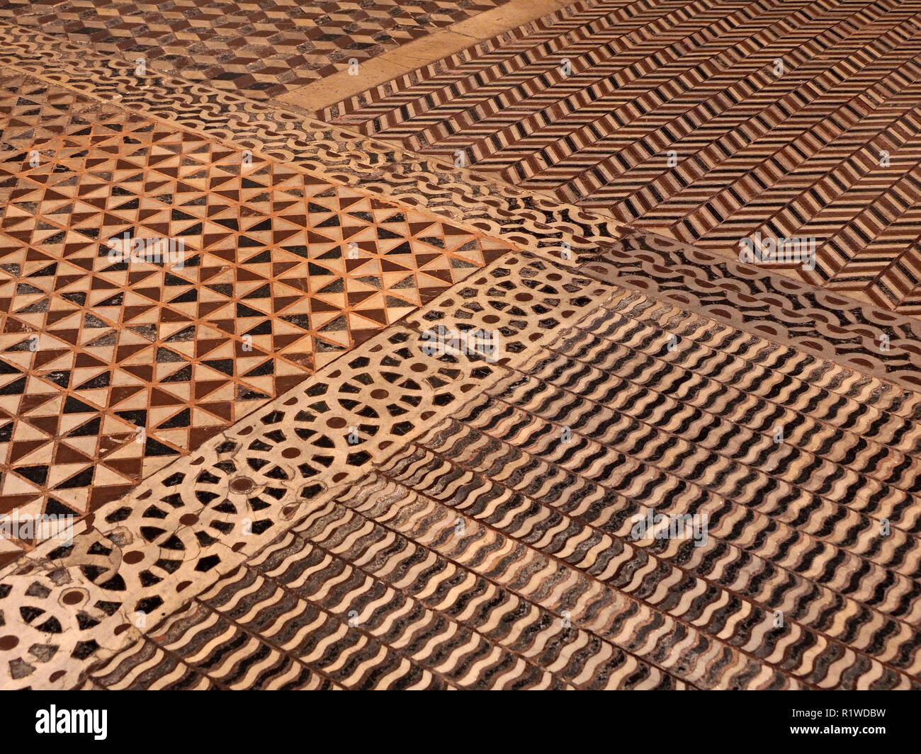 La Conception Des Anciens A Motifs Mosaique Carrelage Marbre Florence Toscane Italie Photo Stock Alamy