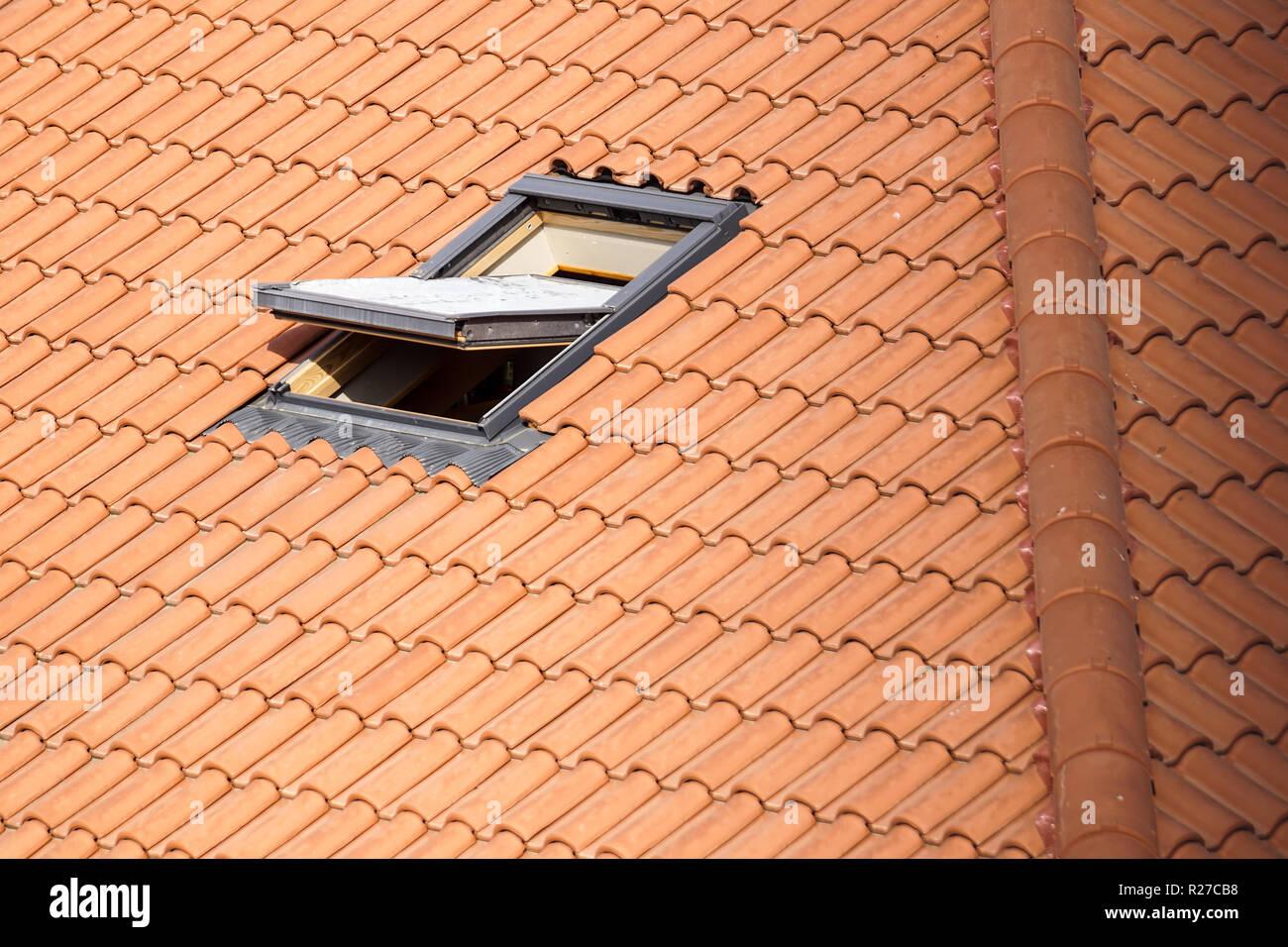 Fenêtre De Toit Velux Photos Fenêtre De Toit Velux Images Alamy
