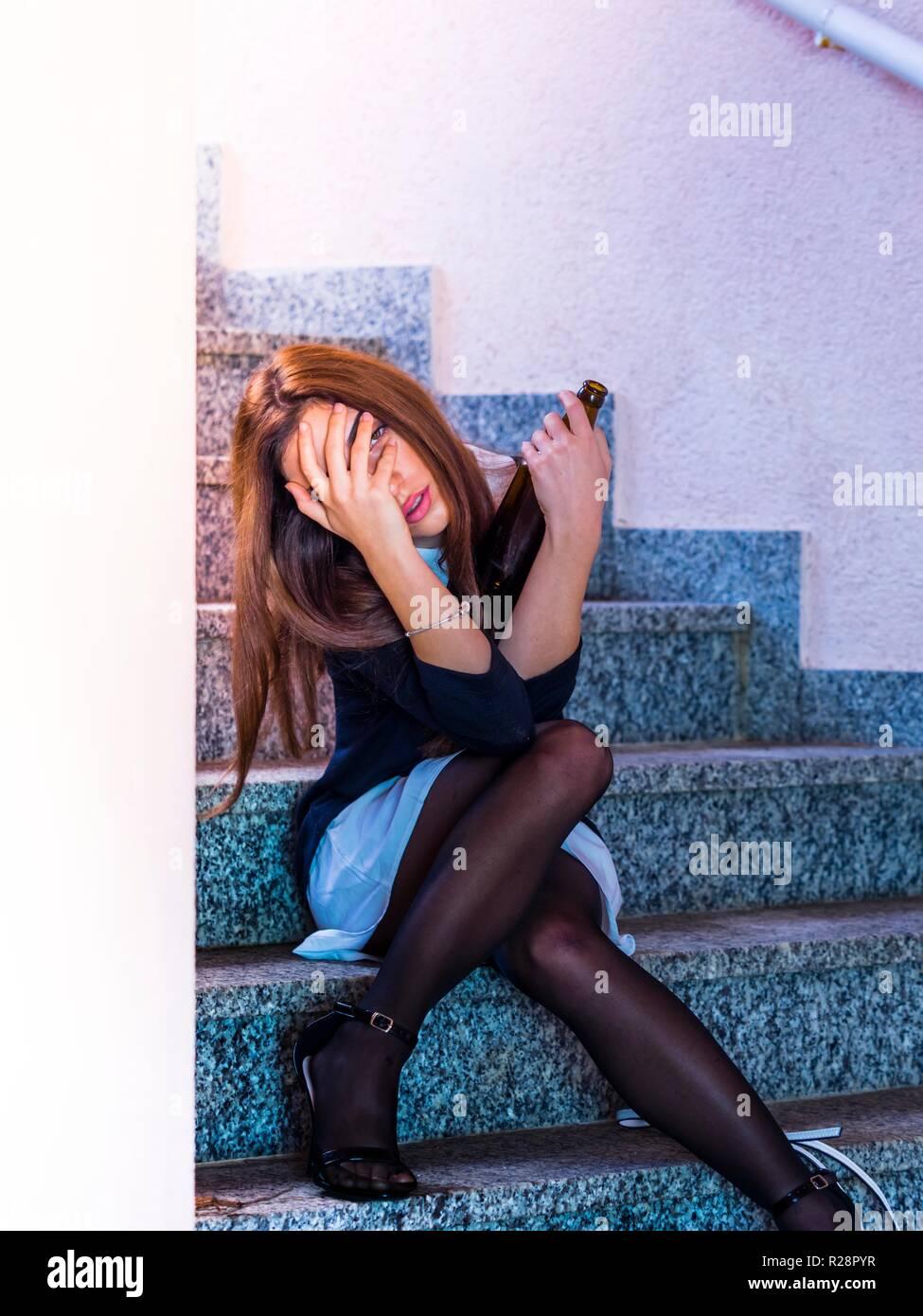 Adolescent aka jeune femme jambes talons Banque D'Images