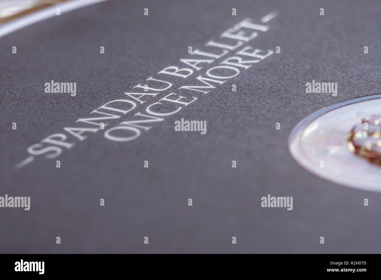 Gros plan de l'accueil d'un CD (disque compact), 'une fois de plus' par Spandau Ballet. Musique support de disque compact. Photo Stock