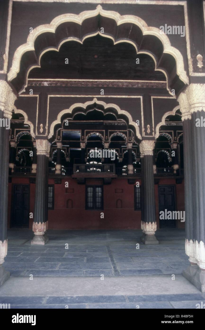 Intérieur du Palais d'été de Tipu Sultan, Bangalore, Karnataka, Inde, Asie Banque D'Images