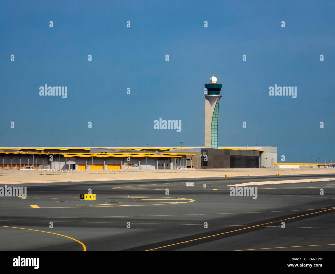 La tour de contrôle de l'Aéroport International de Doha au Qatar Banque D'Images