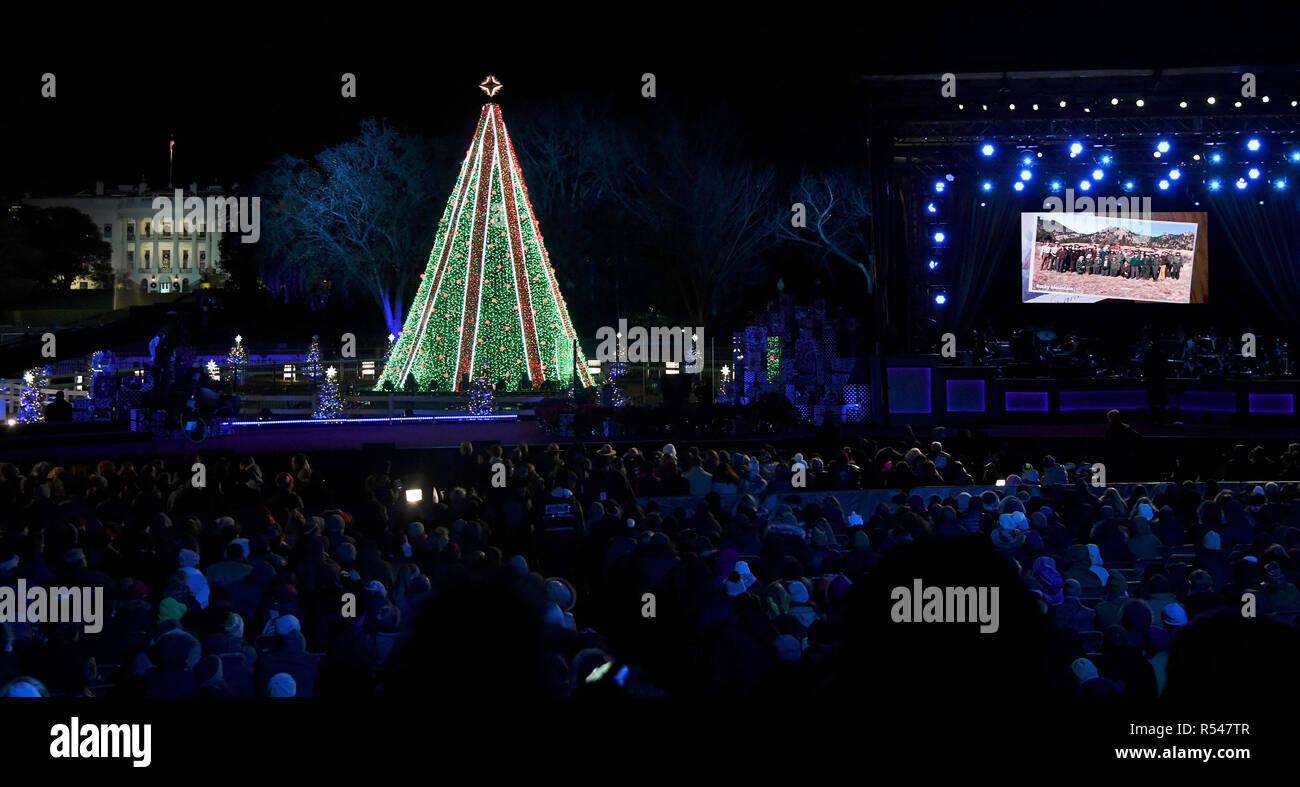 L'arbre de Noël National à la suite de la cérémonie d'éclairage sur l'Ellipse, le 28 novembre 2018 à Washington, D.C. Photo Stock