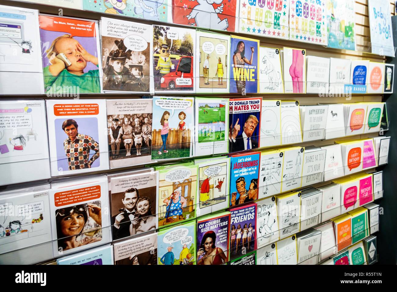 Royaume-uni Grande-Bretagne Angleterre Londres Westminster Galore papeterie Cartes Cartes de vœux shopping humour anniversaire occasion spéciale à l'intérieur d Photo Stock
