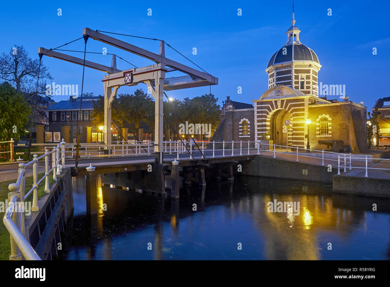 Morspoort avec Morspoort Brug, Leiden, Hollande méridionale, Pays-Bas Banque D'Images
