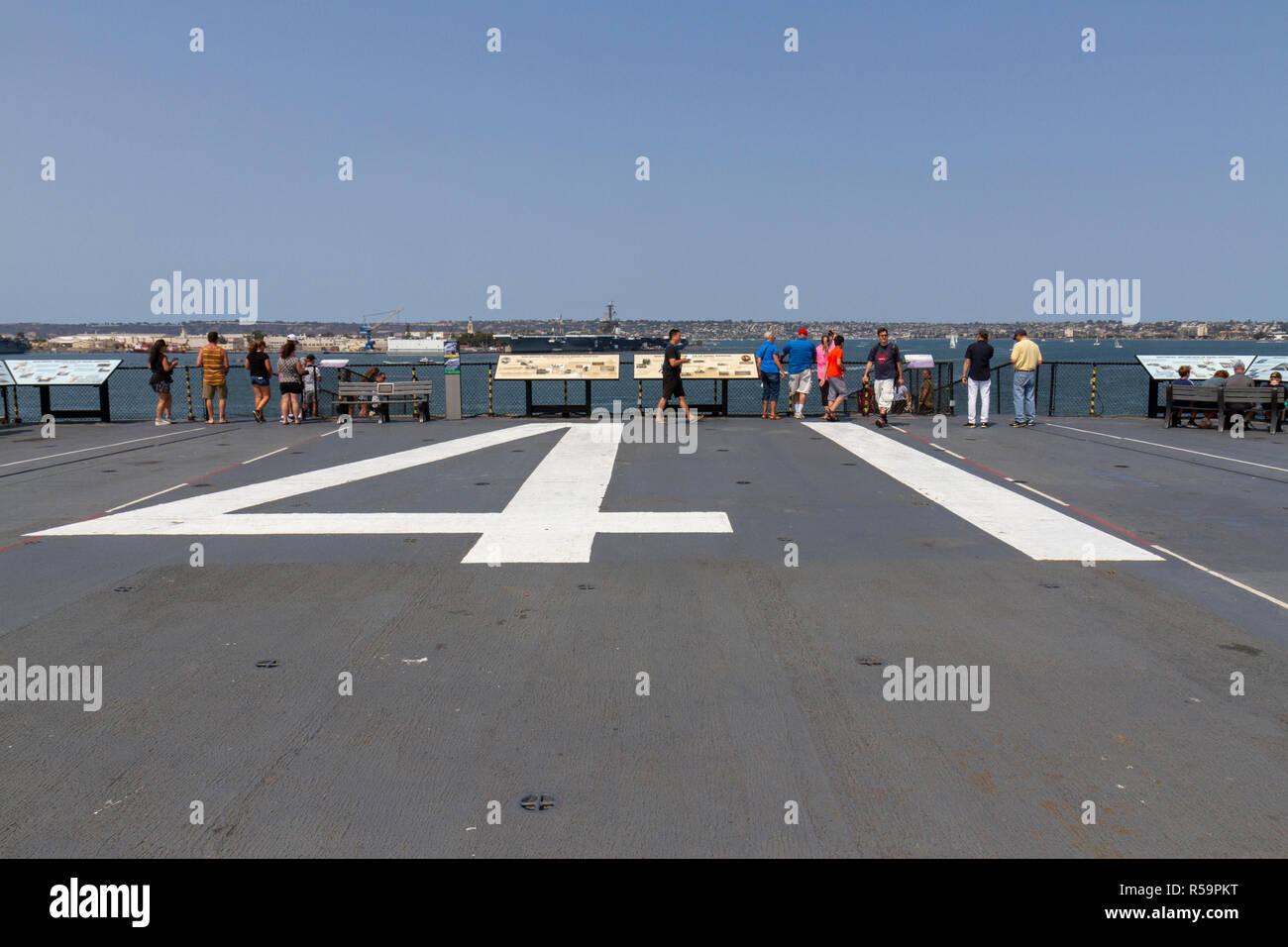 Classification de la coque de l'USS Midway (CV-41) sur le pont de l'USS Midway Museum, San Diego, California, United States Photo Stock
