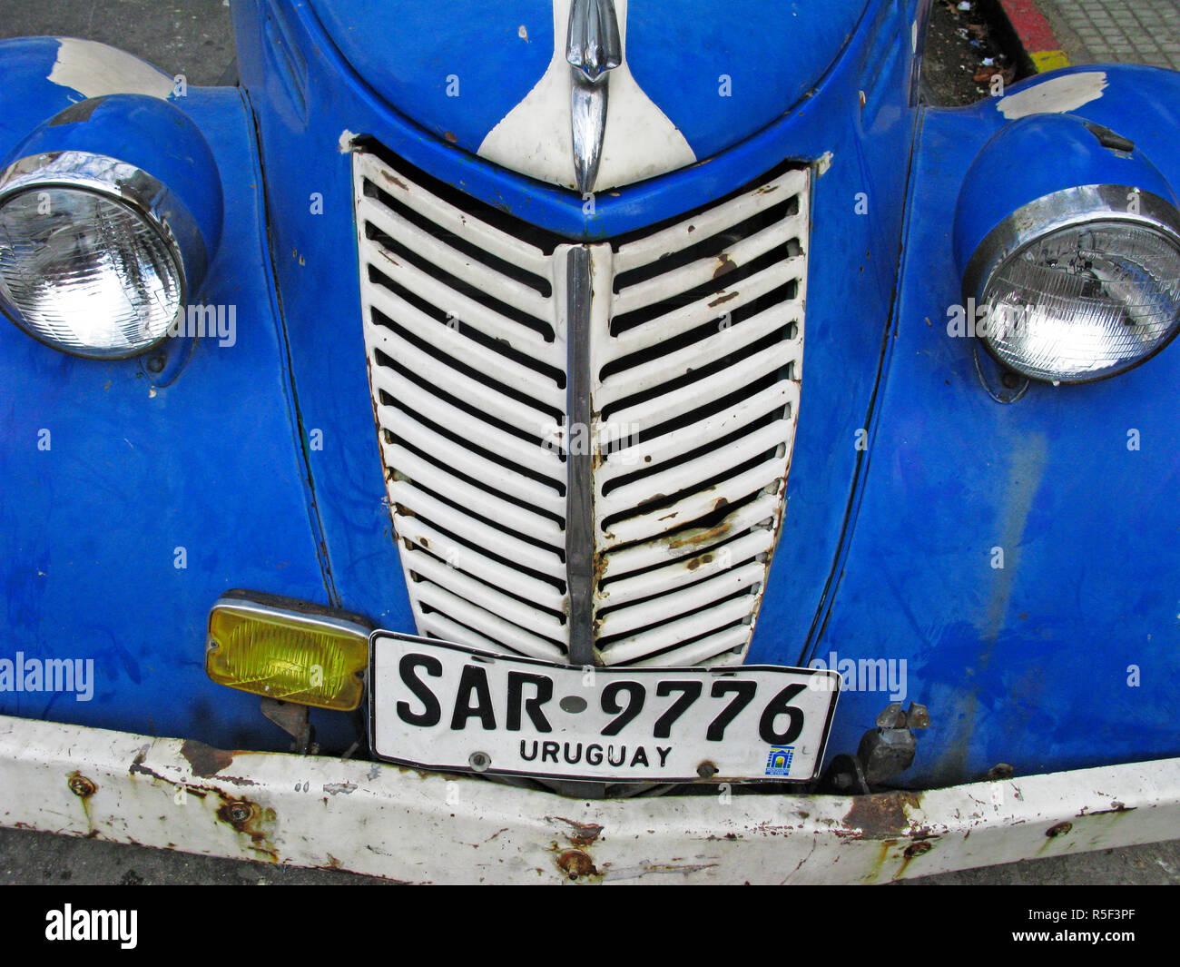 Vieille voiture colorée. Montevideo, Uruguay Photo Stock