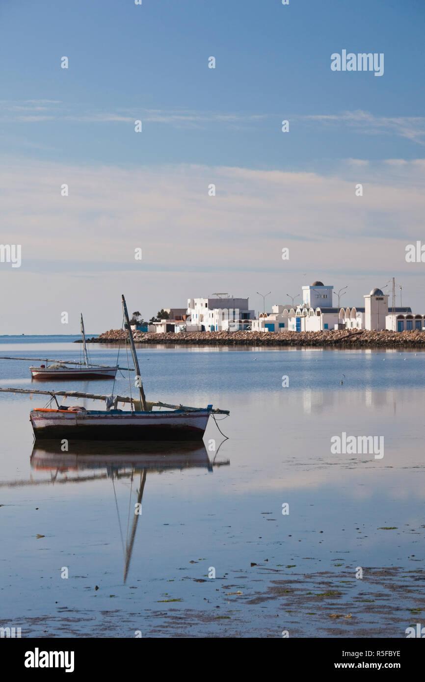 La Tunisie, la Côte Centrale de Tunisie, Mahres, village de pêcheurs côtiers, matin Photo Stock