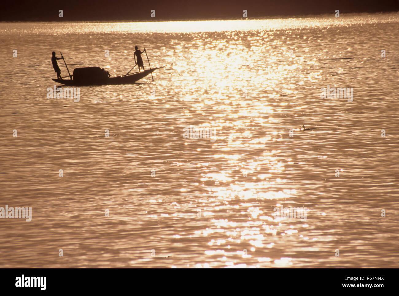 En bateau la rivière Ganga Banque D'Images