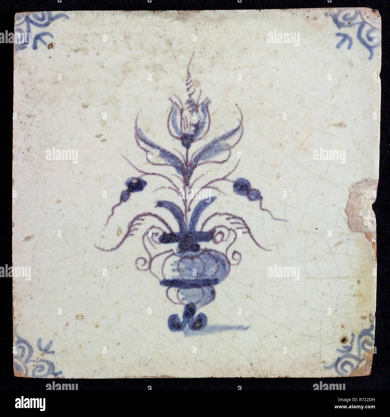 Tuile De Fleur Pot De Fleur Avec Un Décor Bleu Sur Fond