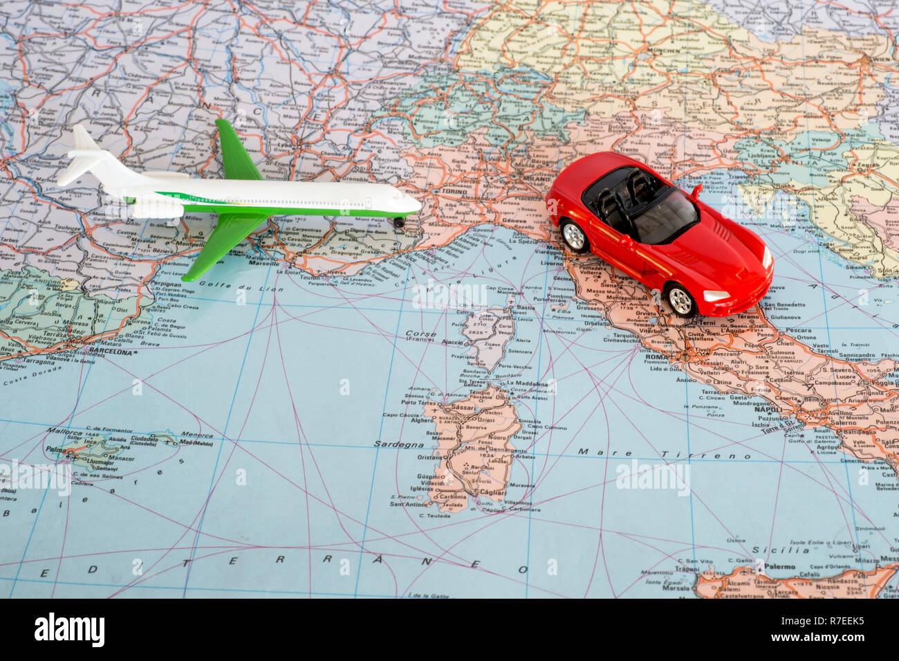 Jouet L'europe Voiture Carte Sur Rouge Avion Géographique De Et La 7fyYvb6g