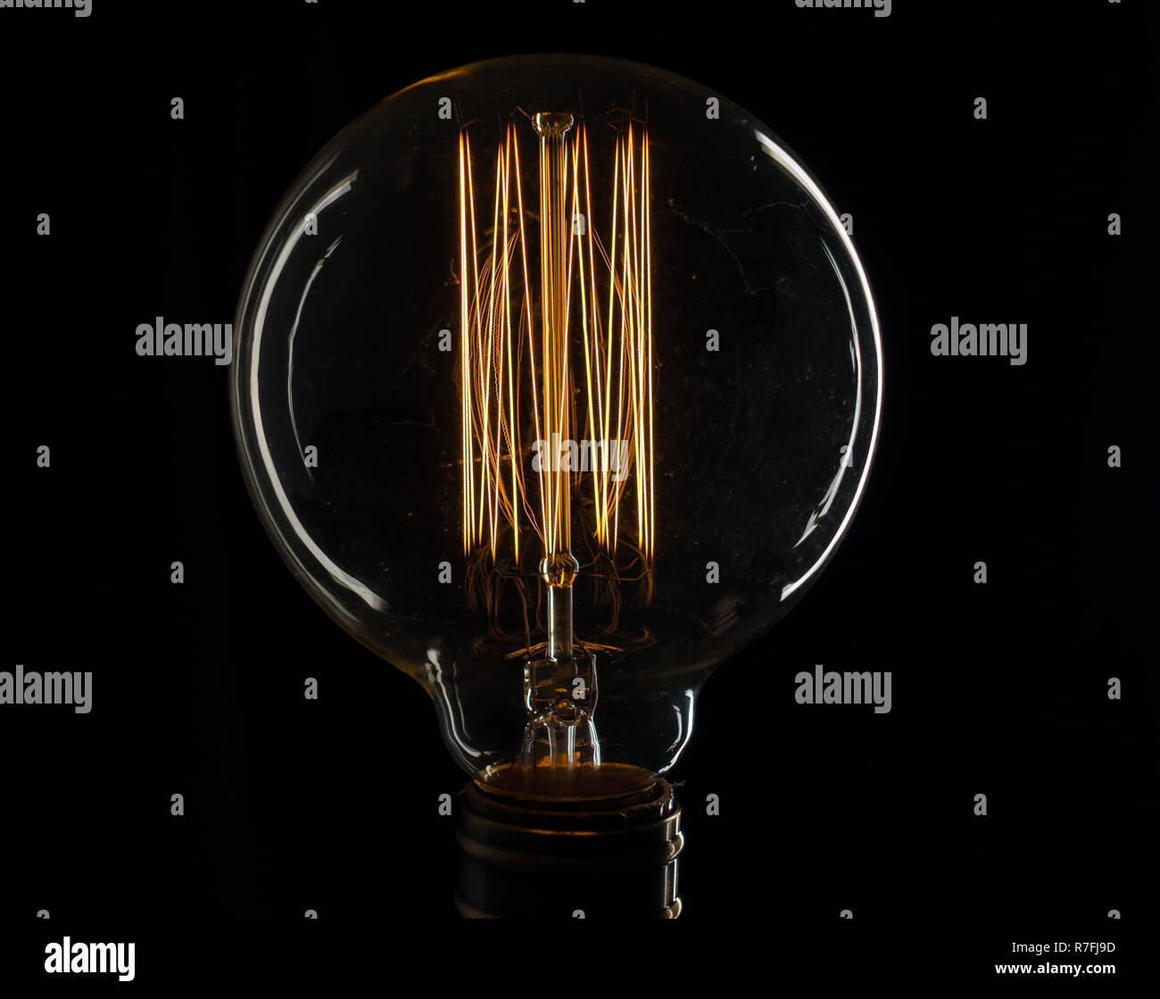 La Lampe A Incandescence De Thomas Edison Illumine De Courant