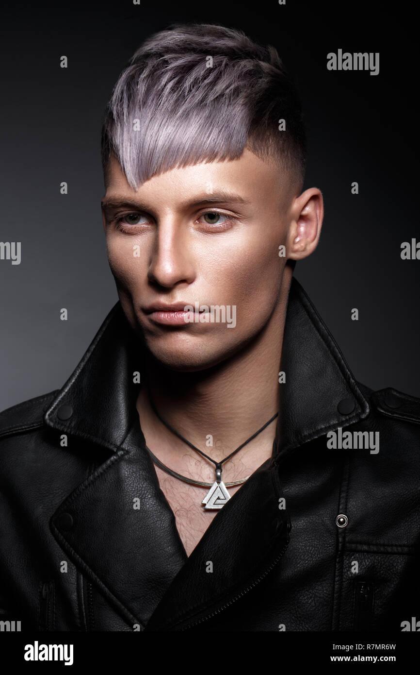 Recherche modele homme maquillage [PUNIQRANDLINE-(au-dating-names.txt) 61